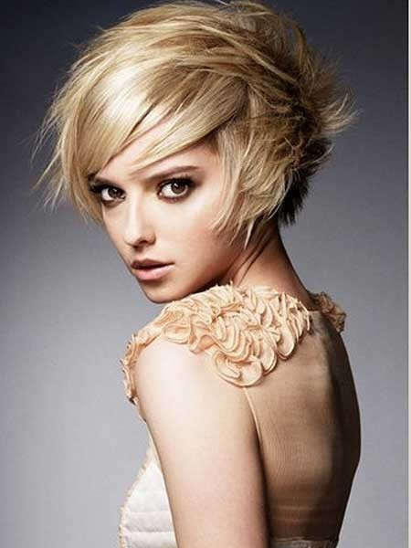 Blonde-Original-Short-Bob Layered Bob Haircuts