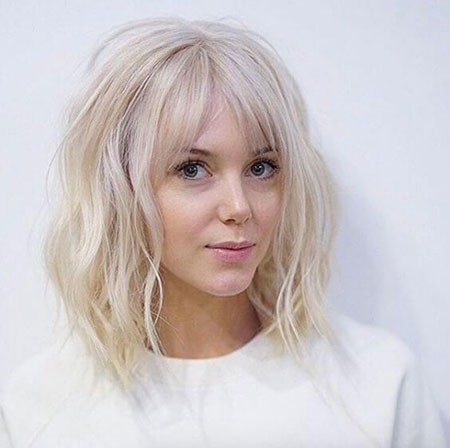 Blonde-Waves Cute And Easy Hairstyles for Short Hair