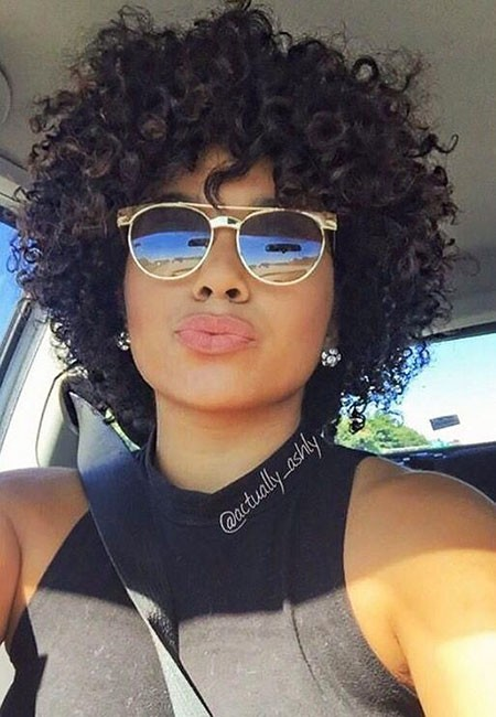 Gorgeous-Curls Short Hairstyles for Black Women 2018