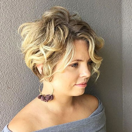Shag-Bob Short Curly Blonde Hair Ideas