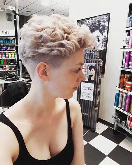 Short-Curly-Hair Best Womens Short Haircuts