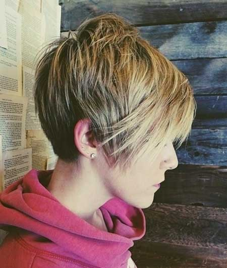 Short-Messy-Layered-Hairdo-with-Long-and-Edge-Bangs Long Pixie Hairstyles
