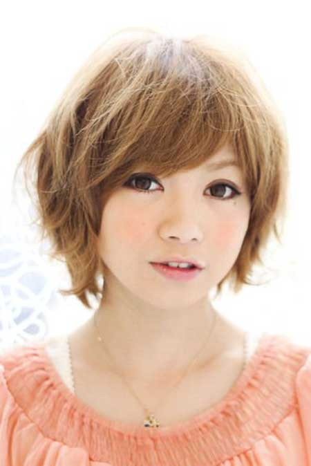Simple-Cute-Messy-Bob Layered Bob Haircuts