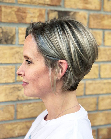 Blonde-Black-Mix Trendy Short Haircuts for Women