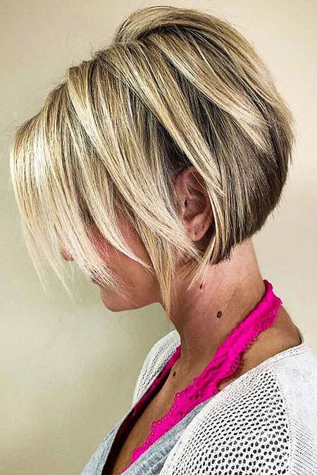 Blonde-Layered-Bob Best Layered Bob Hairstyles
