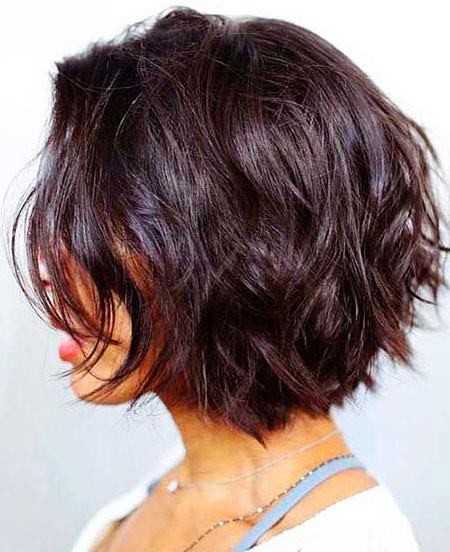 Bohemian-Layered-Short-Hair Best Layered Bob Hairstyles