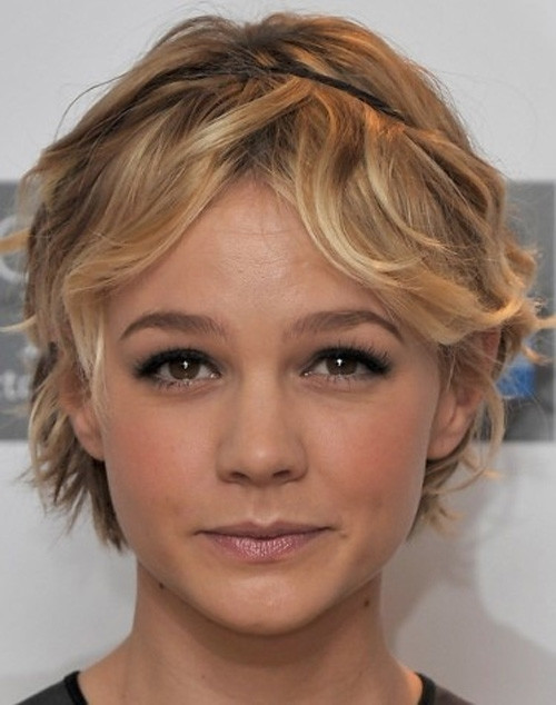 Carey-Mulligan-Short-Straight-Cut Celebrity Short Haircuts