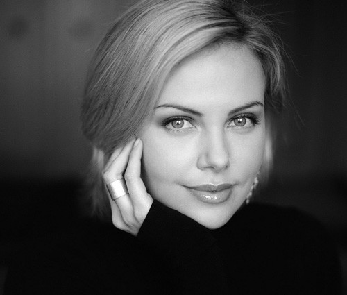 Charlize-theron-cute-short-haircut-2012 Trendy Short Celebrity Hairstyles
