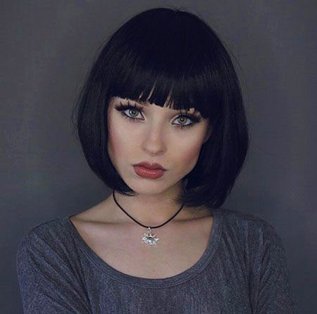 Charming-outlandish-Innocent-look Chic Short Haircuts with Bangs