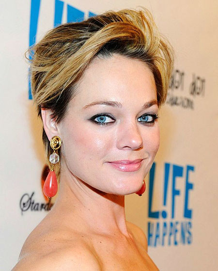 Classy-Pixie Cute And Easy Hairstyles for Short Hair