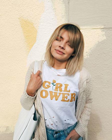 Cute-Blonde-Hair Chic Short Haircuts with Bangs