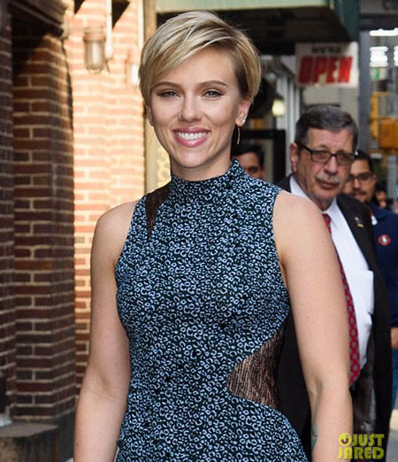 Cute-Look Best Scarlett Johansson Short Hair