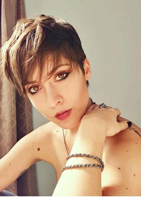 Cute-Pixie-Cut Trendy Short Haircuts for Women