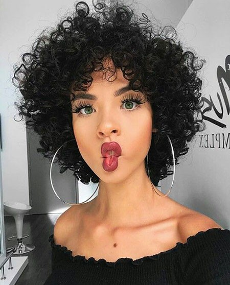 Full-Head-Beachy-Curls Chic Short Curly Hairstyles for Women