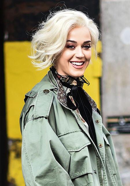 Katy-Perry-Bob-Platinum Trendy Short Haircuts for Women