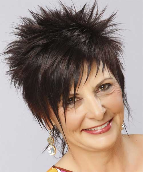 Latest-Short-Flirty-Hairstyle-for-Older-Women Spiky Short Haircuts