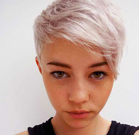 Pixie-Cut-Blonde Short Trendy Hairstyles