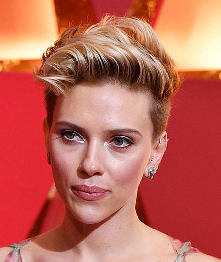 Pixie-Cut-with-Shaved-Sides Best Scarlett Johansson Short Hair