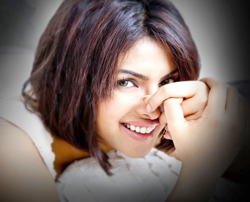Priyanka-chopra-short-hair-photo Trendy Short Celebrity Hairstyles