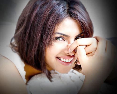 Priyanka-chopra-short-hair-photo Trendy Short Celebrity Hairstyles