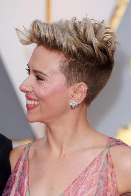 Short-Side-Pixie Best Scarlett Johansson Short Hair