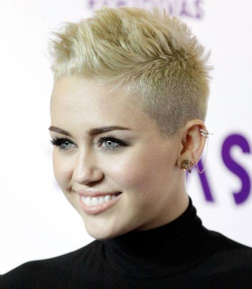 Short-platinum-blonde-hairstyles-women Celebrity hairstyles for short hair