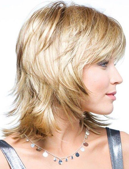 Short-to-Medium-Hairstyles-with-Bangs-4 New Short to Medium Hairstyles with Bangs