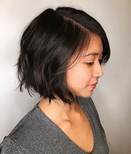 Side-Parted-Fine-Mane Trendy Short Haircuts for Women