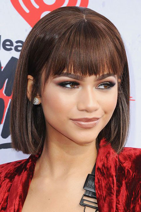 Summer-Trend-Bob Chic Short Haircuts with Bangs