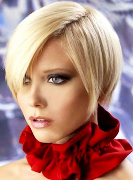 Thick-Blonde-Bold-Look Trendy Short Haircuts for Women