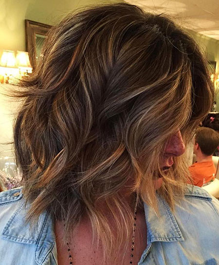 10-Layered-Shoulder-Length-Wavy-Hair-646 Short Haircuts for Wavy Thick Hair