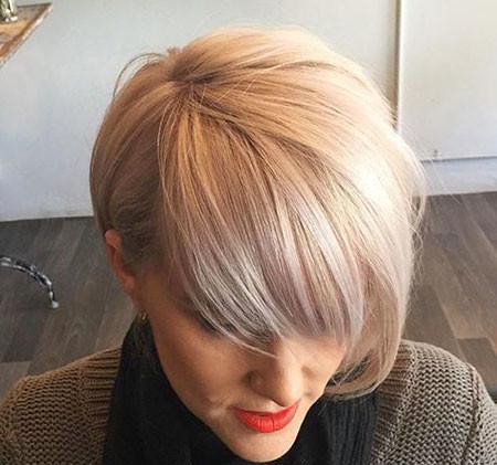 11-Short-Blonde-Ash-Hair-624 Short Blonde Hair with Bangs