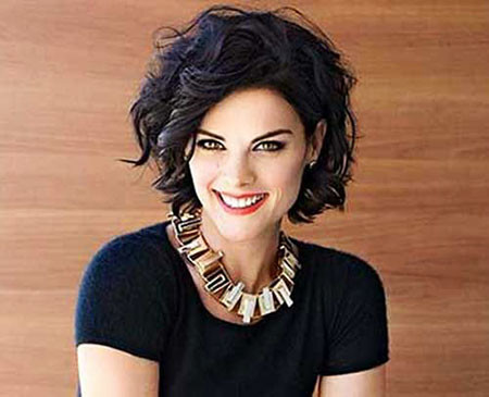 14-Short-Haircuts-for-Wavy-Thick-Hair-650 Short Haircuts for Wavy Thick Hair
