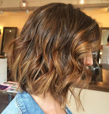 22-Brown-Hair-with-Blonde-Highlights-Lob-532 Best Bob Hairstyles for Women 2019