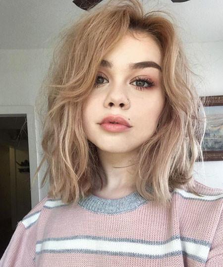 40-Short-Hairtyles-590 Short Hairstyles for Women