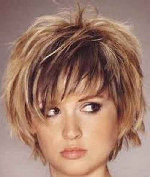 Straight-Short-Layered-Hairstyle-for-Chubby-Faces Short Haircuts For Chubby Faces