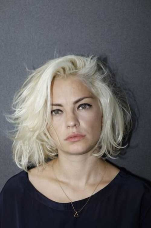 Messy-Bob-Hairstyle Chic Blonde Bob Hairstyles for Women