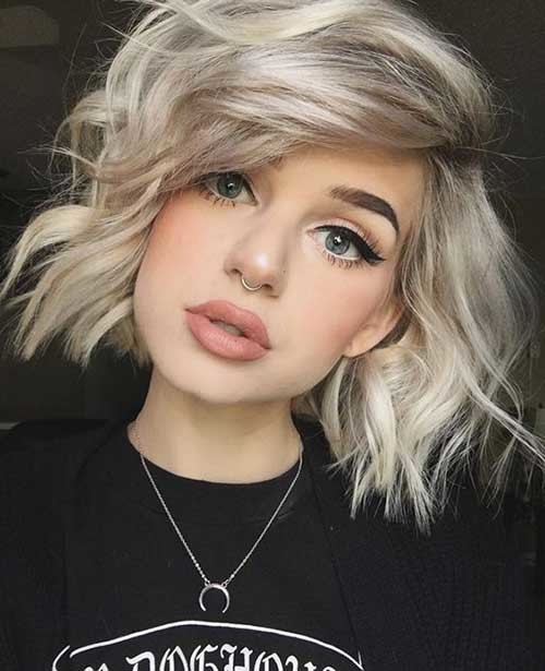 Wavy-Bob-Hair Chic Blonde Bob Hairstyles for Women