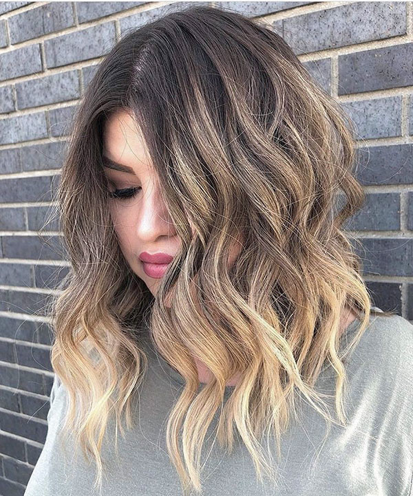 Beach-Waves-Short-Hairstyle Popular Short Wavy Hairstyles 2019