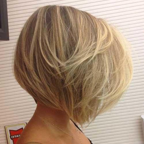 Beachy-Stacked-Bob Outstanding Short Haircuts for Women