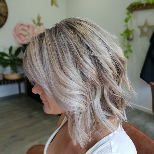 Blonde-Balayage-Hair Popular Short Wavy Hairstyles 2019
