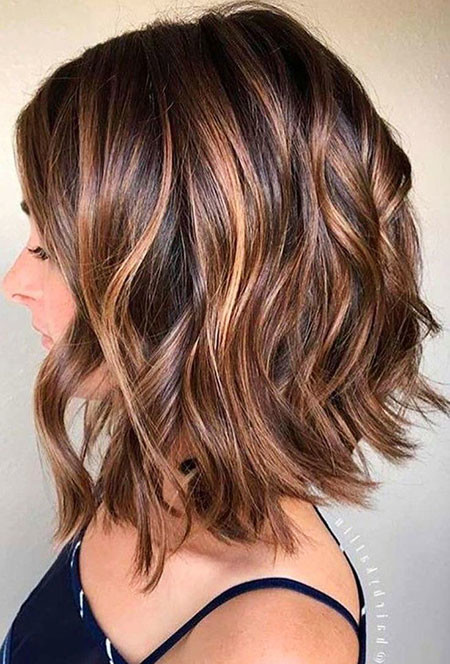 Caramel-Balayage Hair Color Ideas for Short Haircuts