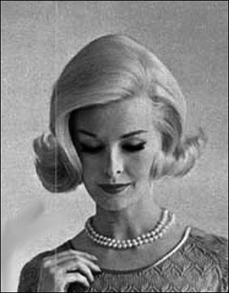 Chic-Hairstyle-with-High-Crown 1960's Short Hairstyles