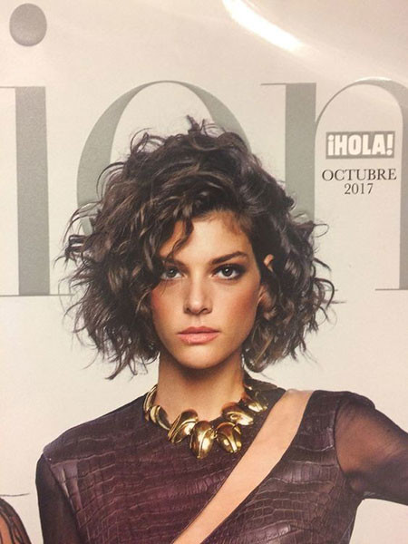 Curly-Bob-Hairstyle Popular Short Curly Hairstyles 2018 – 2019