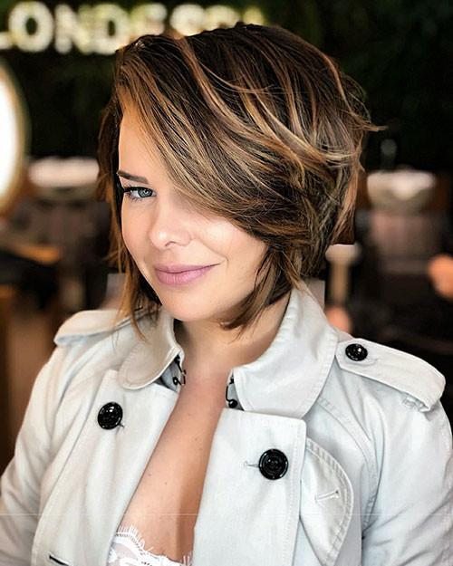 Short Layered Haircuts 2018 2019 The Undercut