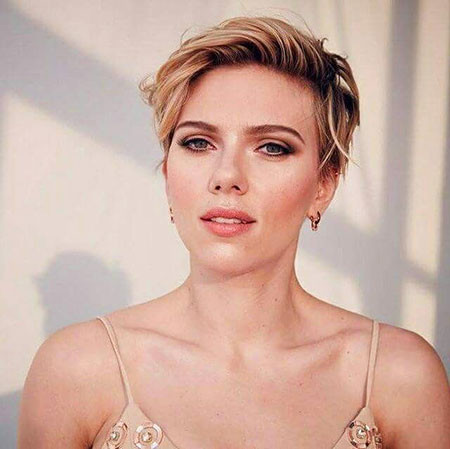 Cute-Pixie-Hair-1 Scarlett Johansson Short Hairstyles