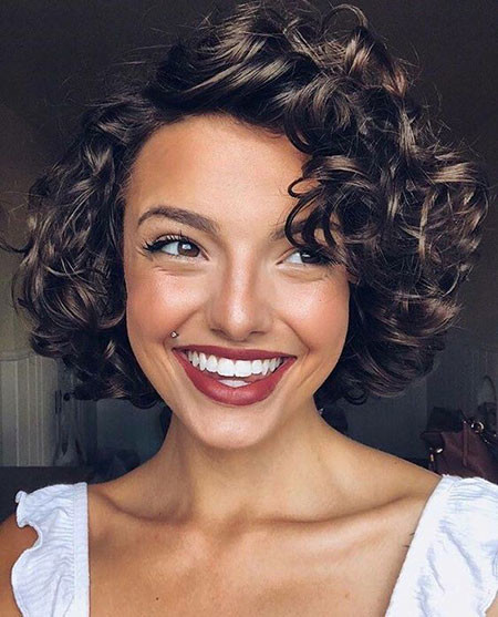 Cute-Short-Curly-Hairstyle Popular Short Curly Hairstyles 2018 – 2019