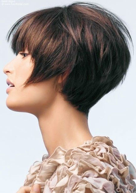 Layered-Brunette-Bob 1960's Short Hairstyles