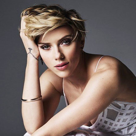 Layered-Hair-1 Scarlett Johansson Short Hairstyles