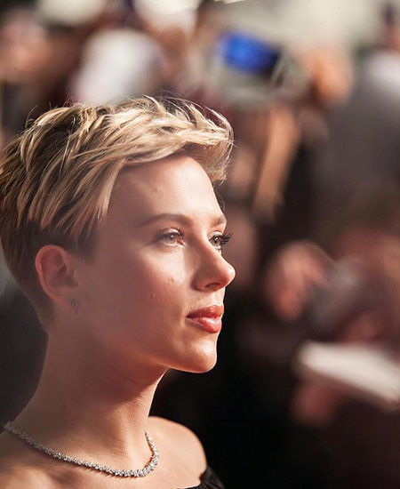 Long-Pixie-Cut-1 Scarlett Johansson Short Hairstyles